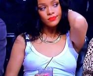 Rihanna sexy 2